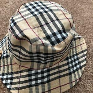 Classic  print  reversible bucket /sun/beach/hat
